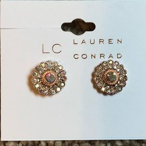 ☀️ Lauren Conrad Post Earrings
